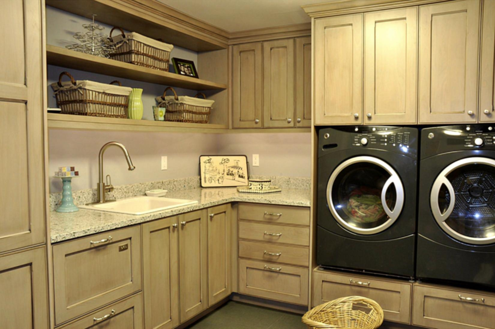 Laundry room smart ideas how to build a house for House plans with large laundry room