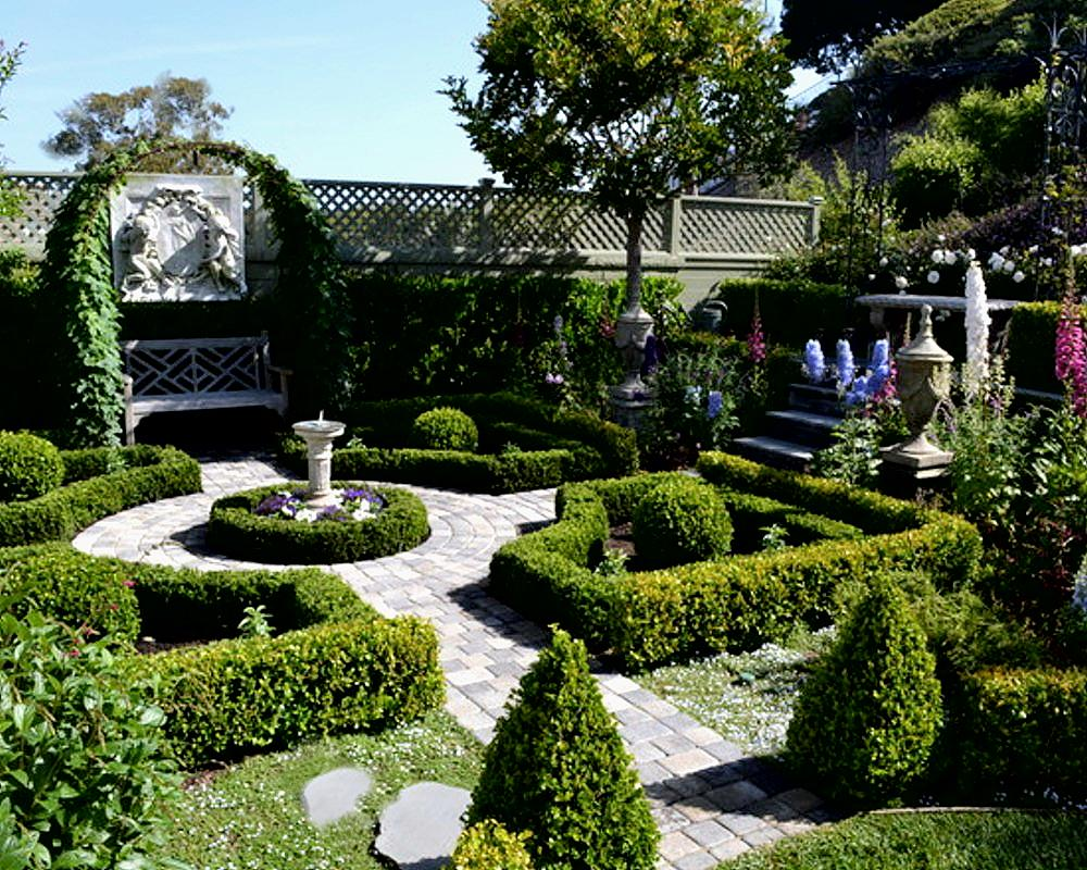 Informal english garden vs formal french garden how for Home designs with garden