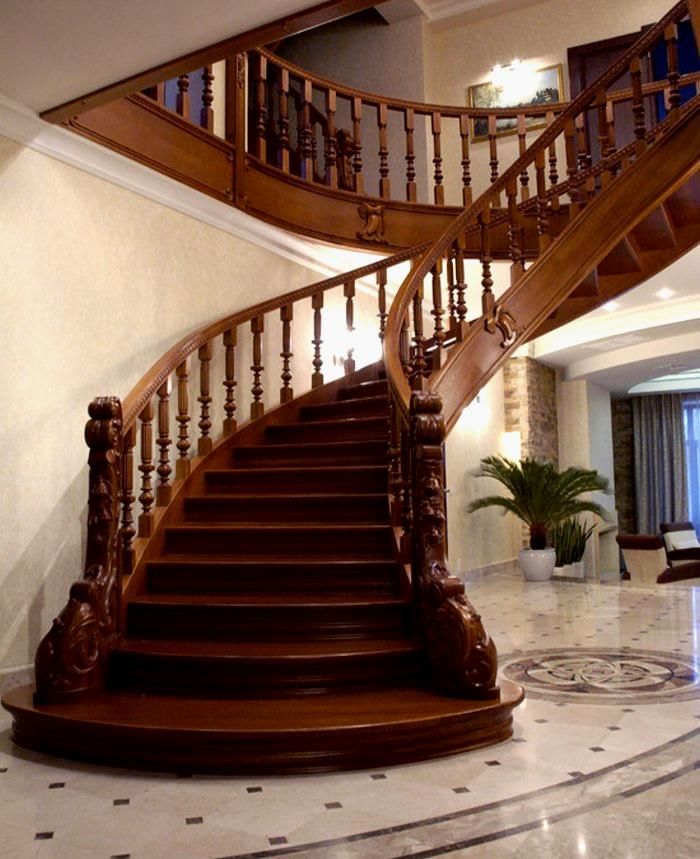 Luxurious Staircase