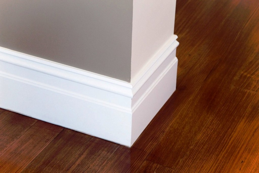 Molding gaps repairing how to build a house for Cost to paint baseboard