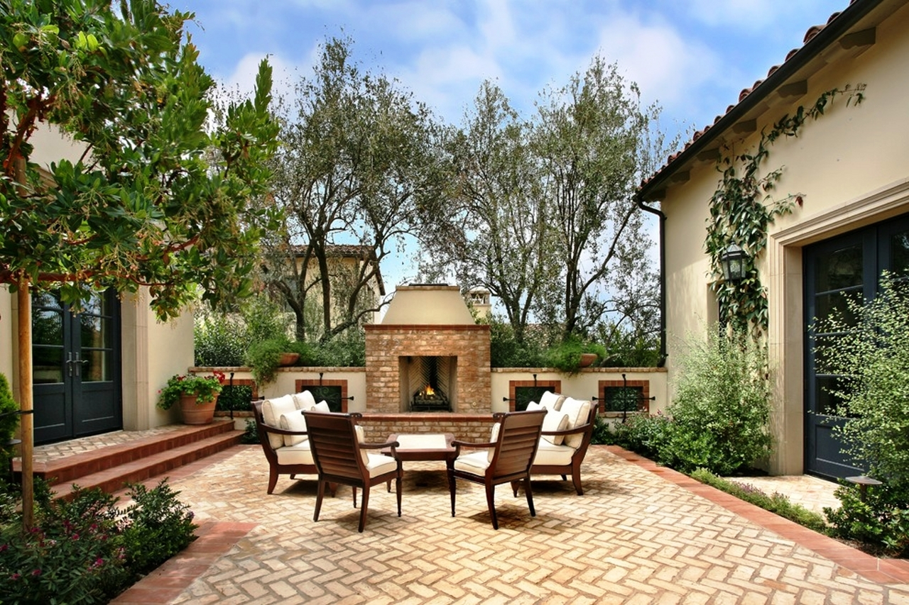 mediterranean brick patio - Backyard Patio Design Ideas