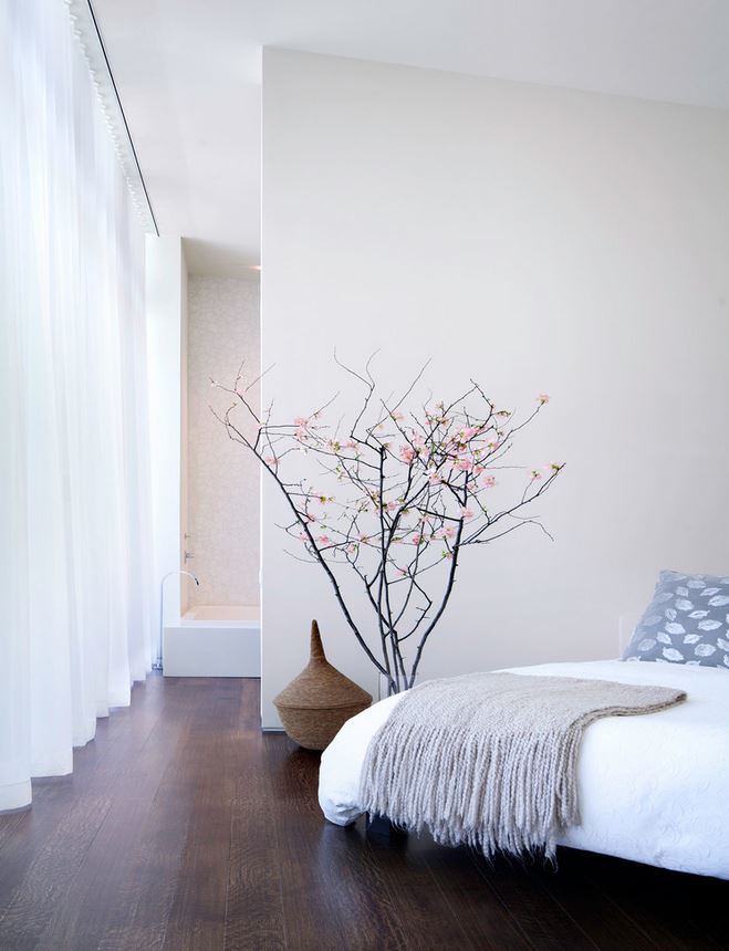 Minimalist Bedroom Photo Courtesy: William Reue Architecture http://www.wreue.com/