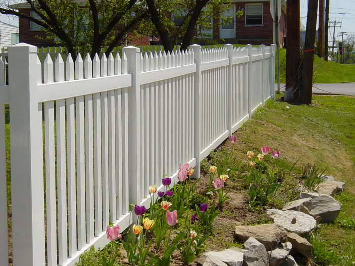 Why To Chose A Vinyl Fence How To Build A House
